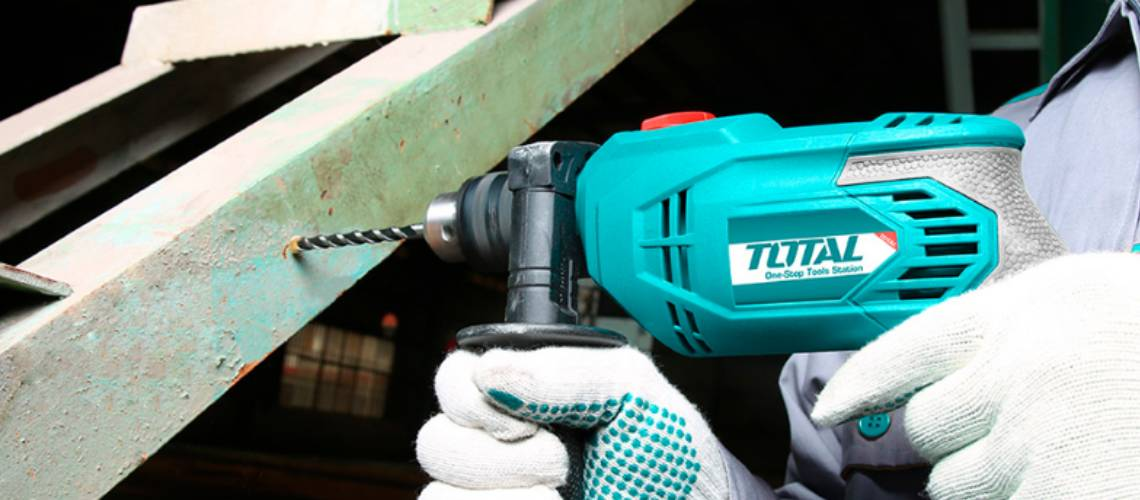 Cómo perforar metal con un taladro