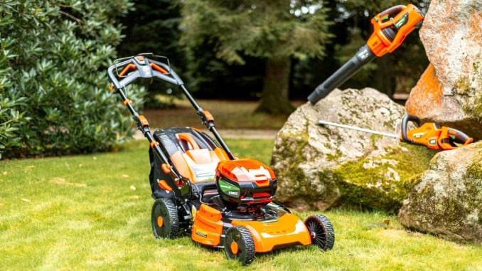 maquinaria-jardin-a-bateria